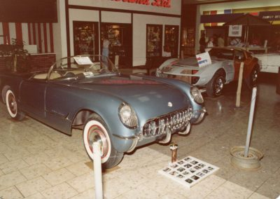 MWC 1980-04 #01 - South Park Mall Corvette Show