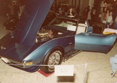MWC 1980-04 #06 - South Park Mall Corvette Show