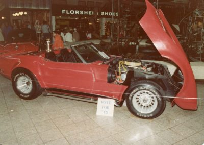 MWC 1980-04 #10 - South Park Mall Corvette Show