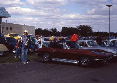 MWC 1980-11 #01 - At Warren Chevrolet - Photo shoot prep